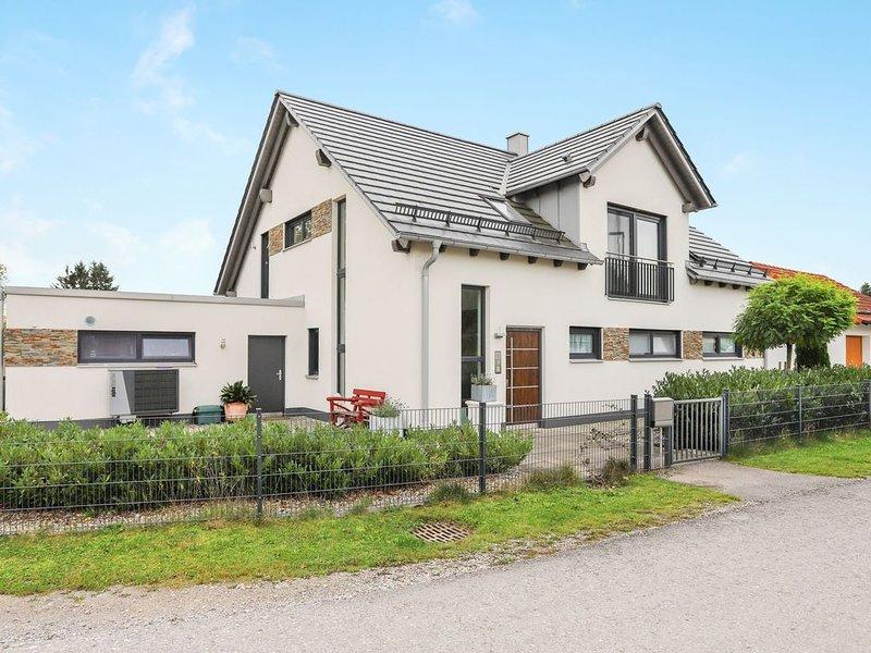 Wunderschöne Ferienwohnung 'Familie Arnhofer' mit WLAN; Parkplätze vorhanden, Ha, vacation rental in Landsberg am Lech