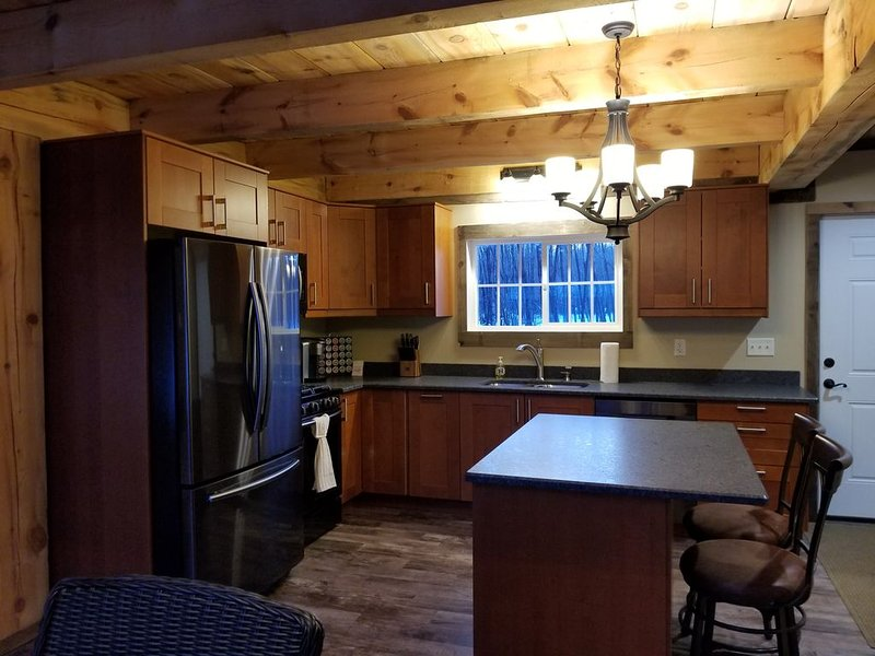 ENJOY this New Construction! Private! Rustic! Mollie Lake Cabin! No SMOKING/PETS, holiday rental in Brainerd