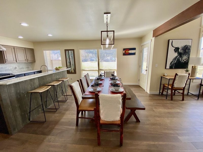 Newly Renovated Mountain Getaway! 10 min to Vail & Beaver Crk Ski Resorts – semesterbostad i Avon