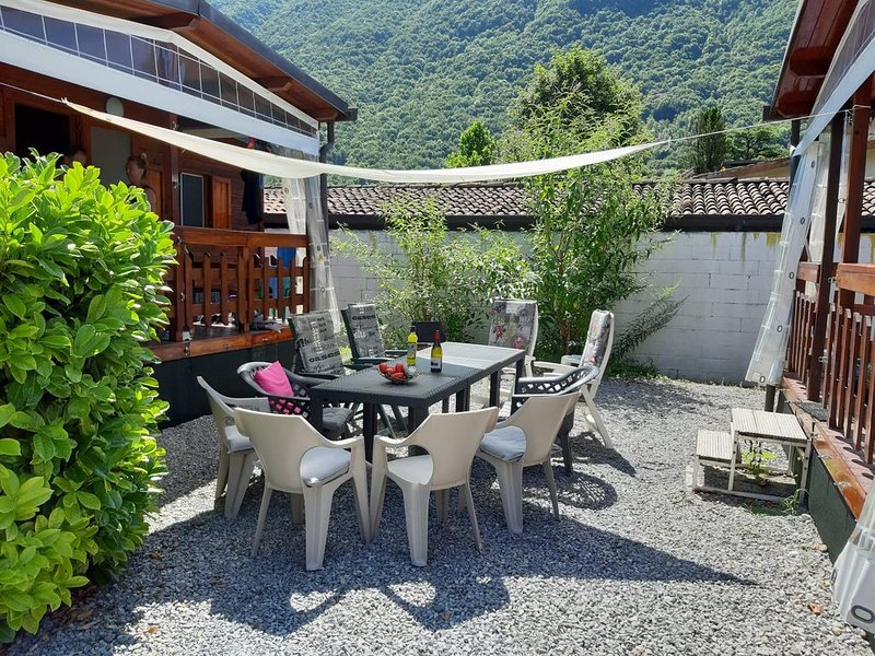 Group Accomodation for 2 or 3 families, holiday rental in Porlezza