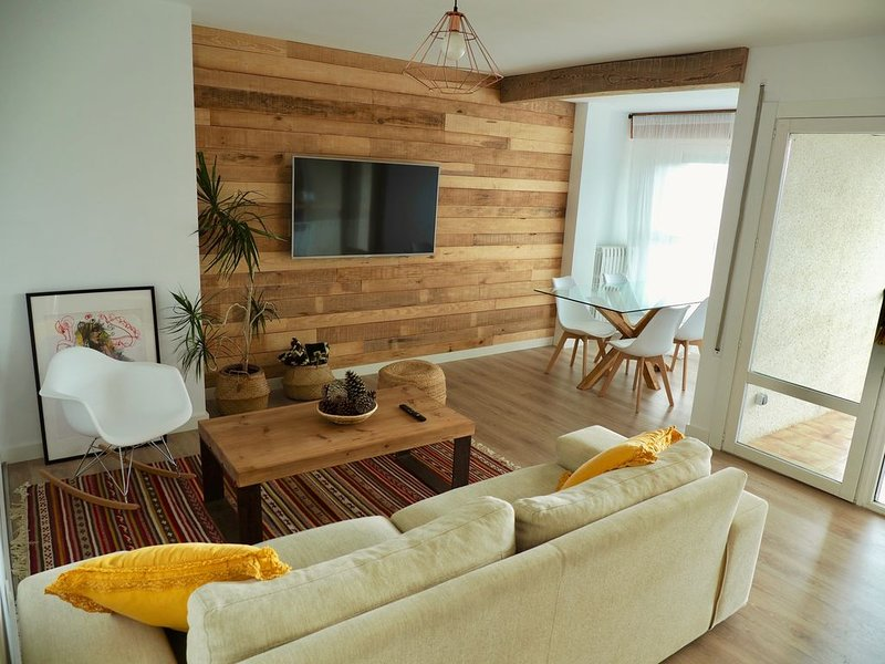 Apartamento recién reformado con vistas, vacation rental in Espuendolas