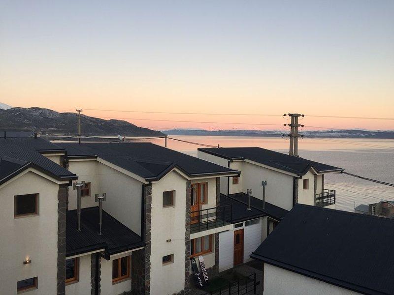 Apart hotel Balcones del Beagle, Montañas, Playa, Ciudad, Puerto, Aeropuerto., alquiler de vacaciones en Ushuaia