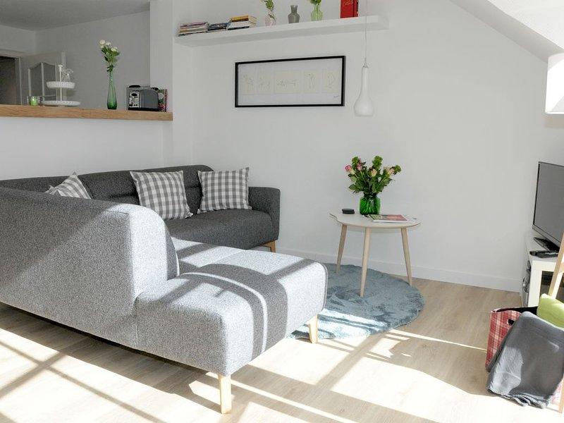 Ostsee-/Schleiurlaub in modern eingerichteter Ferienwohnung mit 3 Schlafzimmern, holiday rental in Brodersby