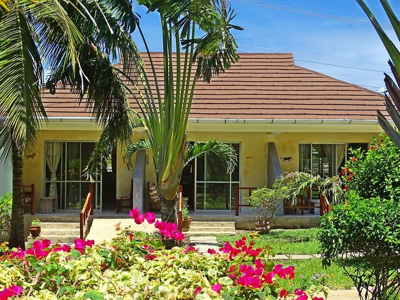 Diani Paradise Villas -Appartement Chui-, holiday rental in Diani Beach