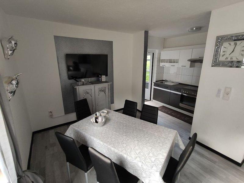 Exklusives Haus in der traumhaften Eifel mit Garten für bis zu 11 Personen, location de vacances à Munstermaifeld