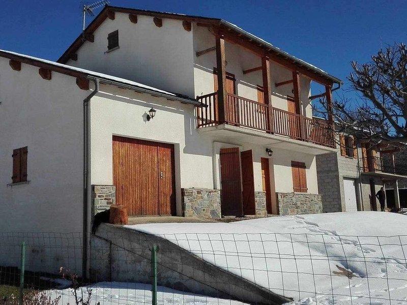 Maison Cozy au Coeur D´Osseja, holiday rental in Osseja