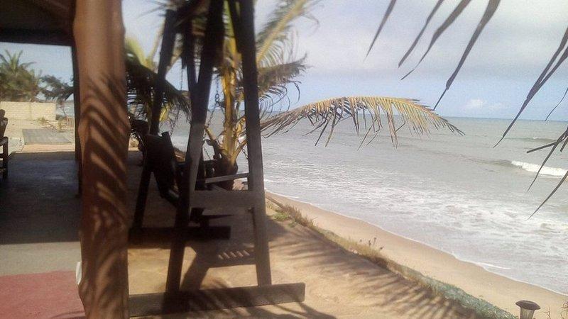 EXCLUSIVE MEDITTERRANEAN  BEACH FRONT VILLA NEAR ACCRA, GHANA, holiday rental in Prampram
