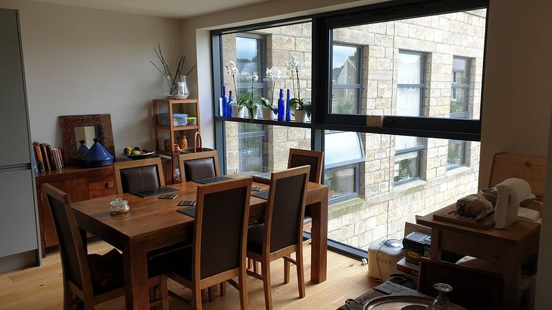 1 bedroom for up to 2 people North leeds, aluguéis de temporada em Leeds