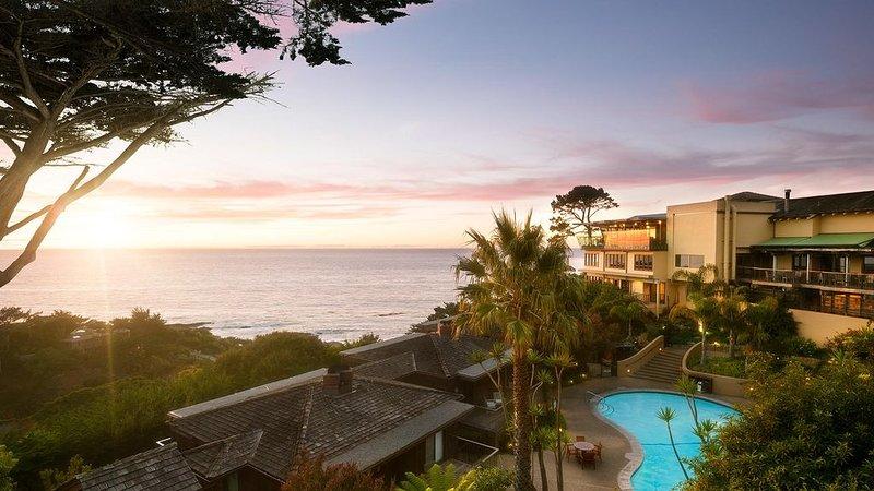 Luxury Oceanfront Carmel 1-Bedroom Highlands Inn Villa + Amenities, vacation rental in Big Sur