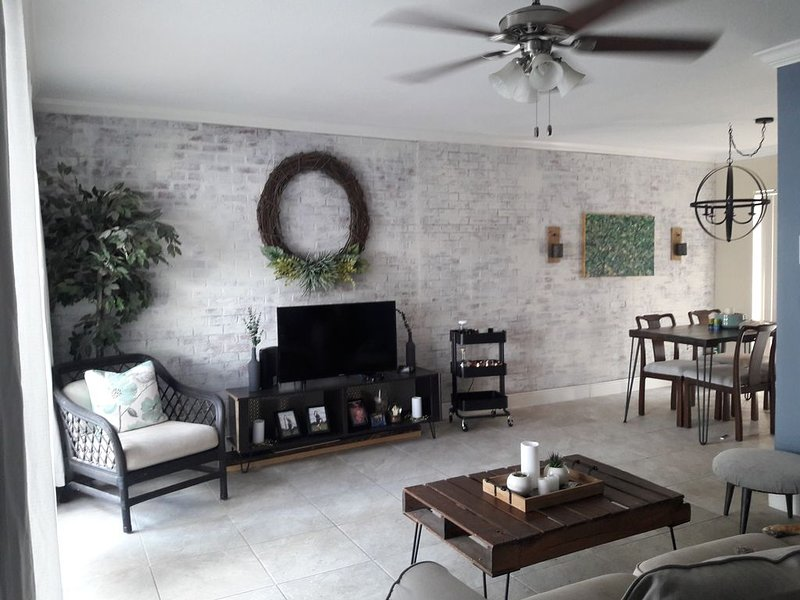 Escape to Paradise of Tampa Bay, holiday rental in Northdale