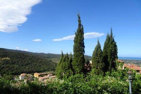 Charmant mit Garten und Meerblick, vacation rental in Castagneto Carducci