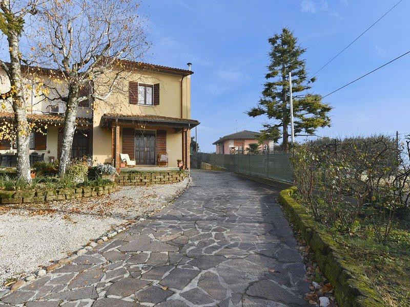 Mit entspannender Terrasse in schöner Landschaft - Nonna Rina, holiday rental in Cavriana