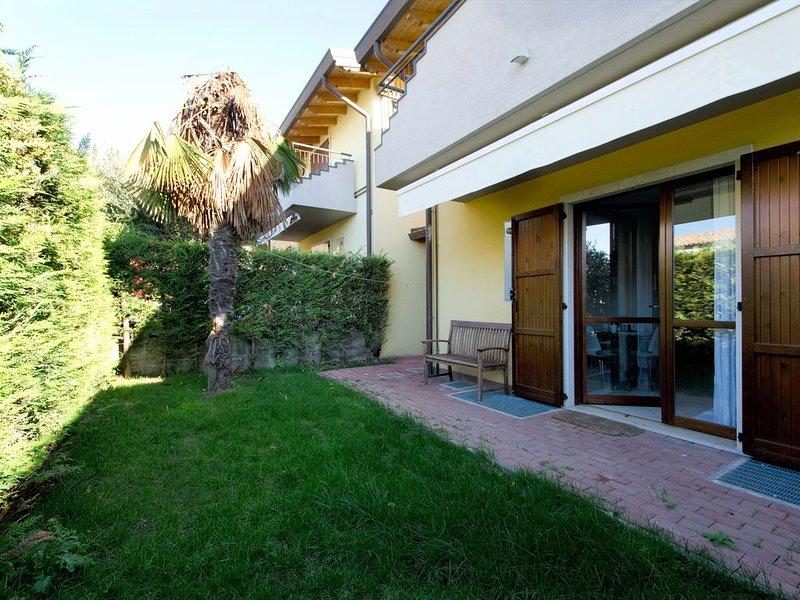 Mit 2 Pools und Garten – Apartment Baja Sol, vacation rental in Cola