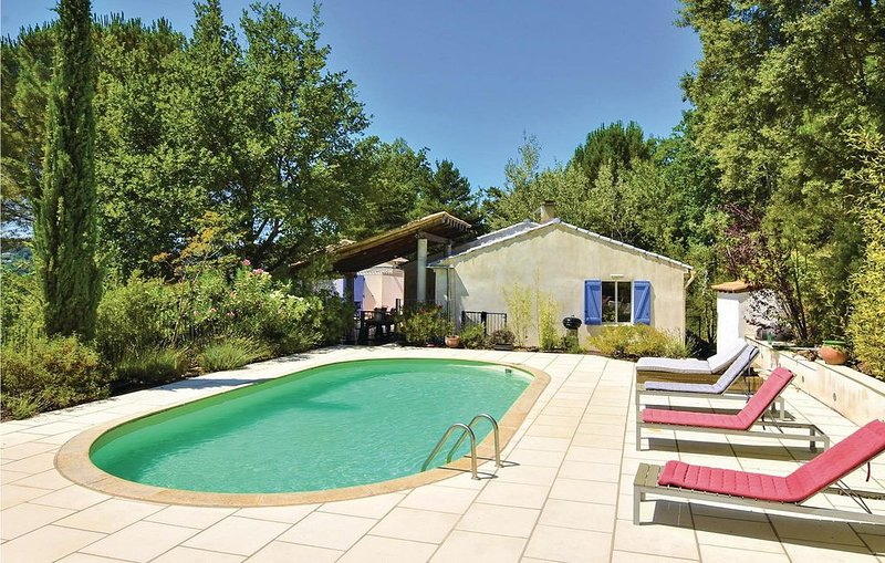 5 Zimmer Unterkunft in Mollans-sur-Ouveze, holiday rental in Mollans sur Ouveze