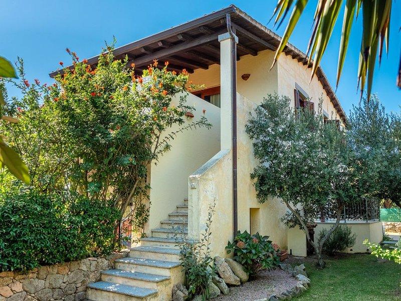 Ferienwohnung mit WLAN, Klimaanlage, Meerblick, Garten und Terrasse; Parkplätze, holiday rental in Monte Petrosu
