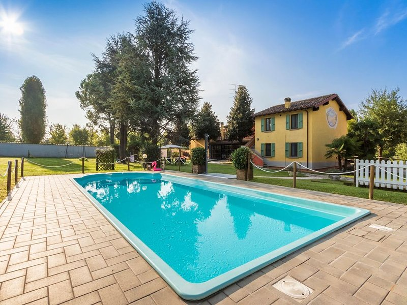 Ferienwohnung mit Terrasse - Apartment 4, holiday rental in Cavriana