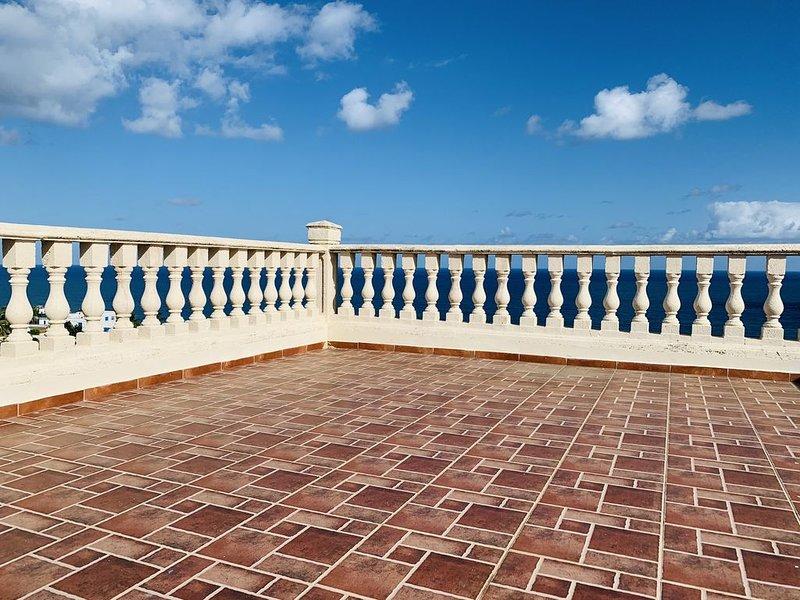 Breathtaking Atlantic Ocean View, vacation rental in Quebradillas