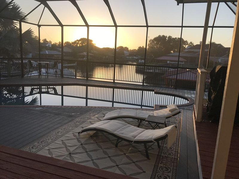 Villa Golf Island w/dock, Pool, Pool Table, Game Room and Gym, holiday rental in Gibsonton