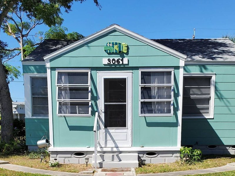 Gulfport Art District! One block from the beach, alquiler vacacional en Gulfport
