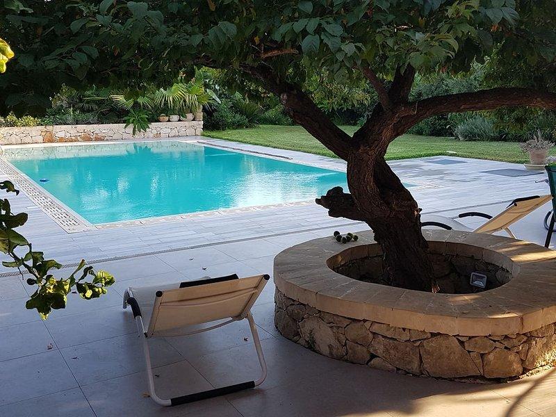 Küstenvilla mit Pool, holiday rental in Arenella