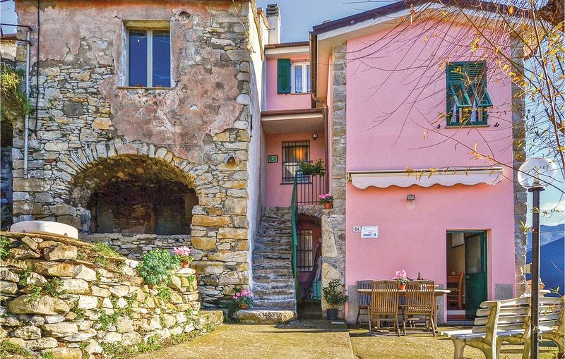 2 bedroom accommodation in Lavagna (GE), vakantiewoning in Mezzanego