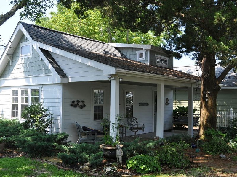 Beaufort Bungalow on Belle Air, location de vacances à Harkers Island