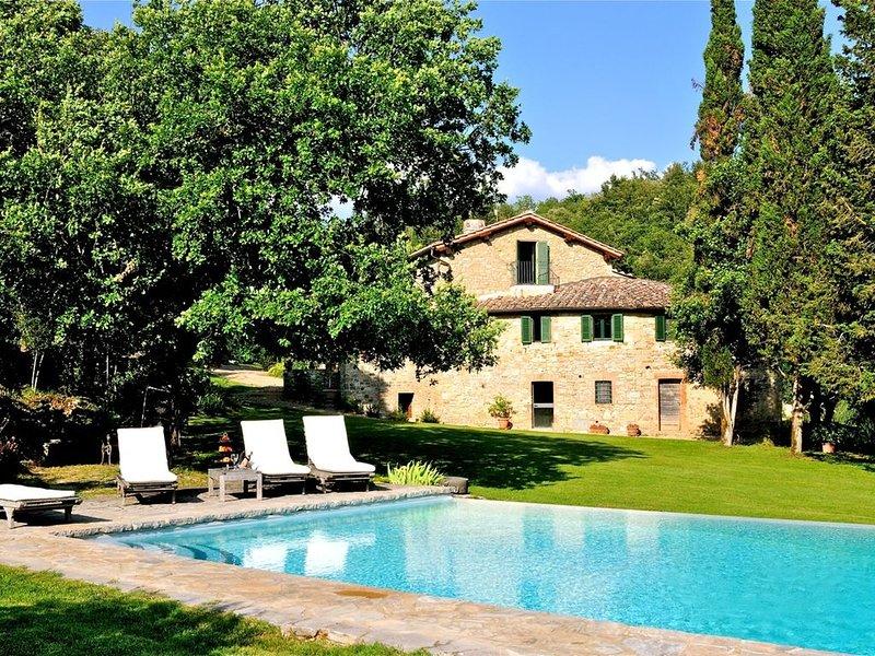VILLA GAIA - Five Bedroom Villa, Sleeps 10, holiday rental in Pievasciata