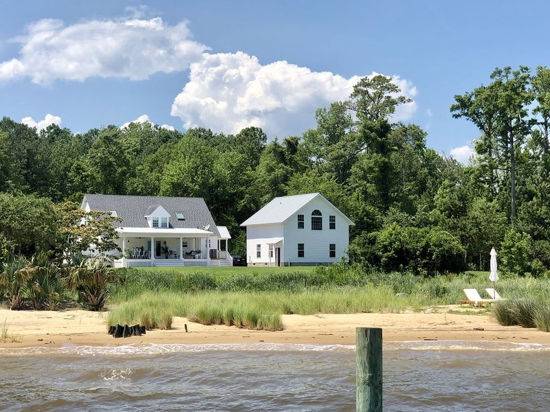 Fisher Point Cottage on the Neuse River, holiday rental in Bridgeton