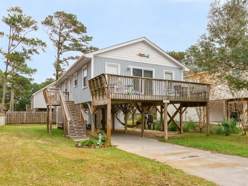 Super clean, GREAT reviews- Book Now!, holiday rental in Kill Devil Hills