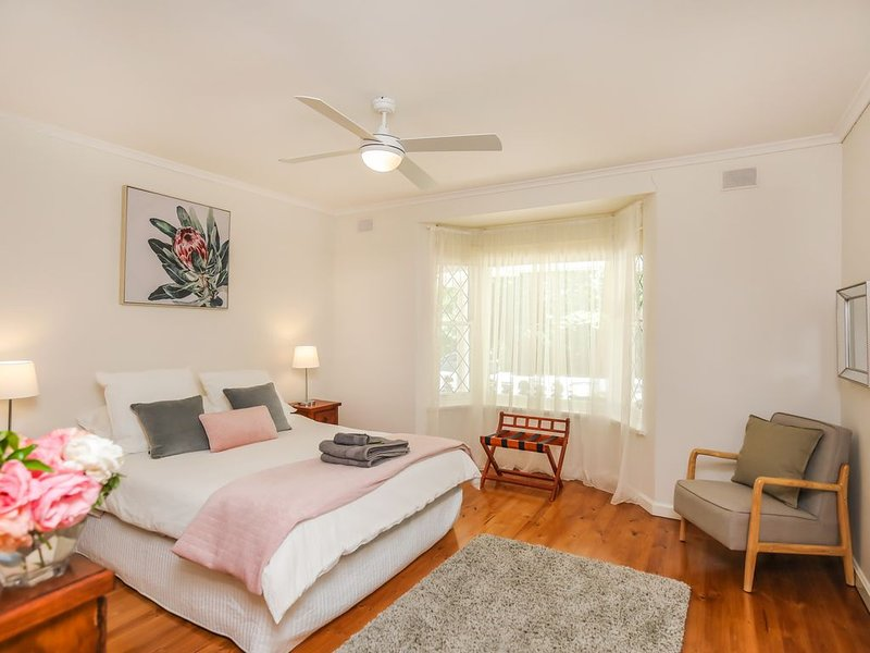 HAHNDORF LODGE - The Elm Tree Apartment, holiday rental in Crafers