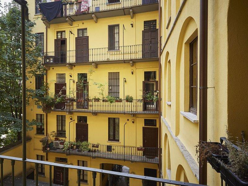Cozy apartment on Navigli - Bocconi - Cattolica, location de vacances à Pontesesto