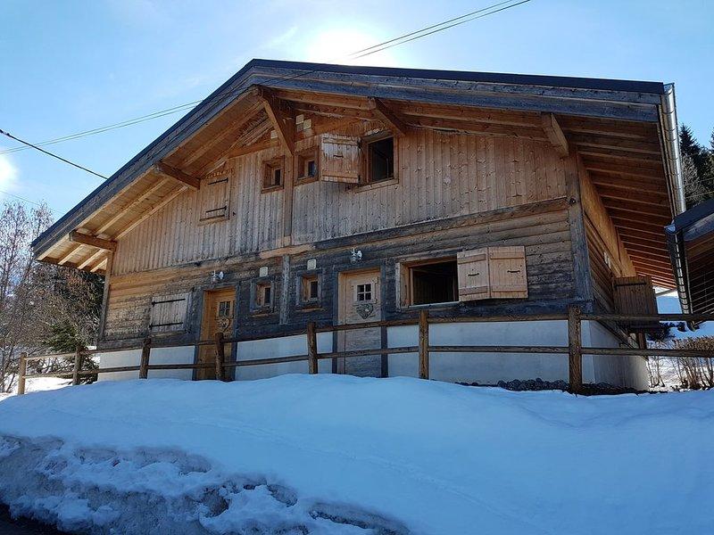 Superbe chalet savoyard récent mitoyen à proximité des pistes de St-Gervais, vacation rental in Saint-Gervais-les-Bains