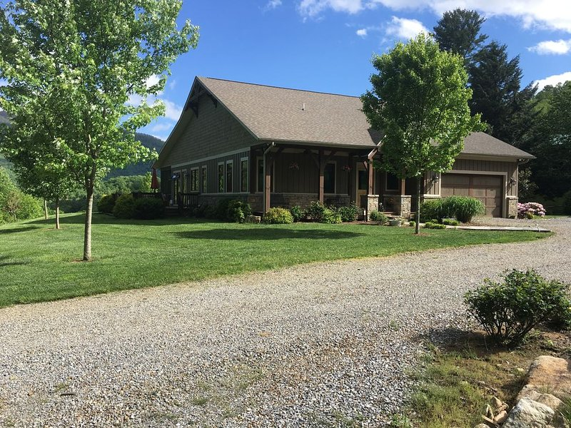 West Haven Mountain Retreat - Waynesville NC, vacation rental in Balsam