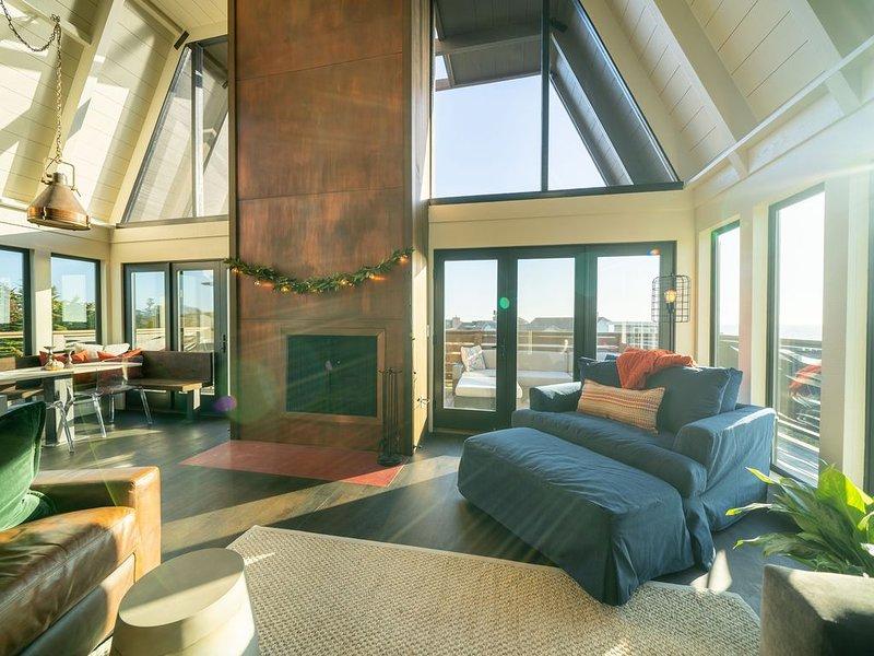 The Copper Nest beach retreat with stunning views, casa vacanza a Watsonville