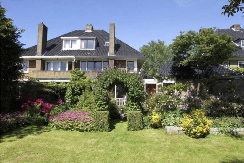CLASSIC HOME: Oasis Near Amsterdam, Beach and Formula 1, holiday rental in Bloemendaal
