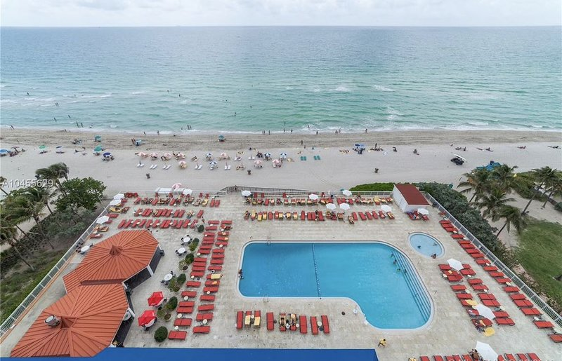 ON THE BEACH, BLACK FRIDAY 80%OFFGorgeous fully renew apartment at the resort, casa vacanza a Sunny Isles Beach