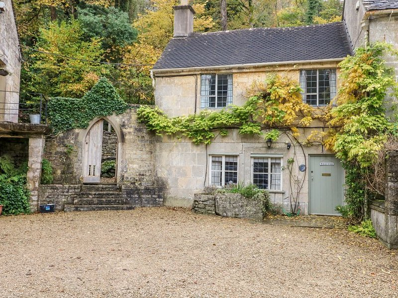 October Cottage, CHALFORD, GLOUCESTERSHIRE, casa vacanza a Box