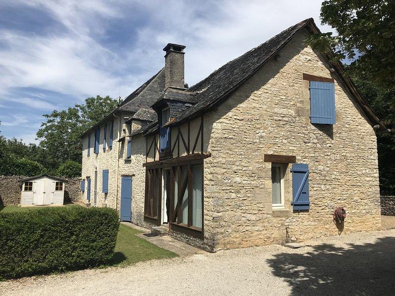 Résidence familiale en Dordogne aux portes du Périgord noir, holiday rental in Les Farges