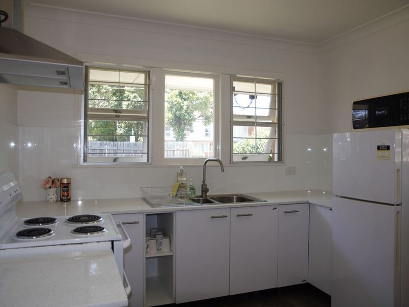 4 bedroom house in Sunnybank, holiday rental in Springwood