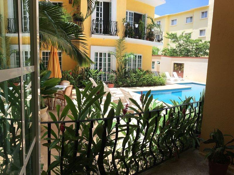 Very Nice Condo 3 blocks from the Ocean, holiday rental in Santa Maria Huatulco