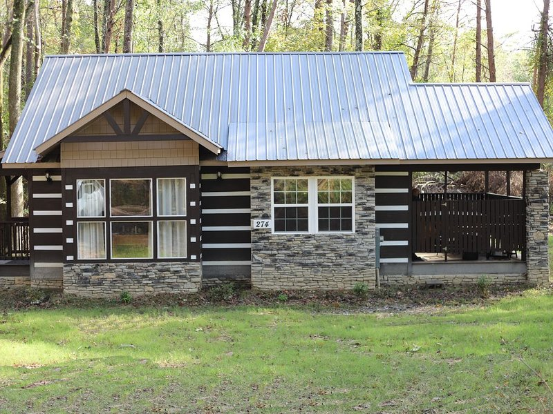 'Sweet Dreams'  - Brand New Cabin Near Mentone and Desoto State Park, holiday rental in Mentone