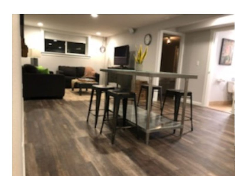 The Suite will give you the comfort of home with detailed warm touches., vacation rental in Tigard