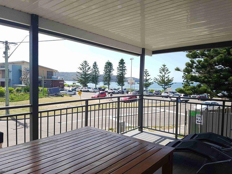 Ocean Stays Beach House, vacation rental in Ettalong Beach