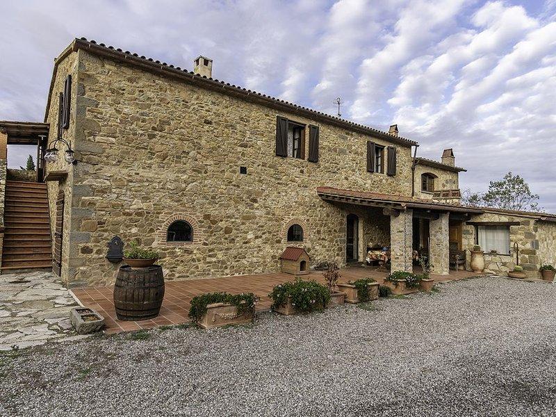 Agriturismo La Fontaccia Villa e Monolocale in Maremma con piscina esclusiva, vacation rental in Montiano