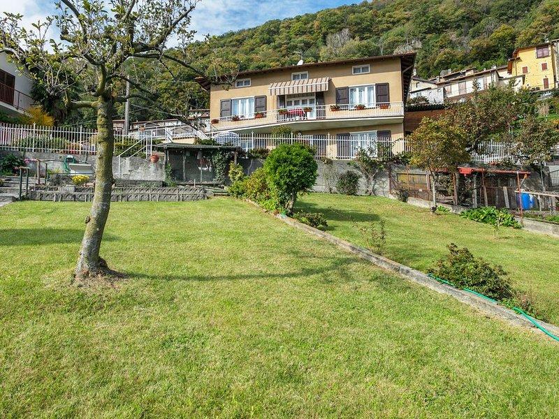 Delightful Villa in Santa Maria Rezzonico with Garden, holiday rental in Santa Maria di San Siro