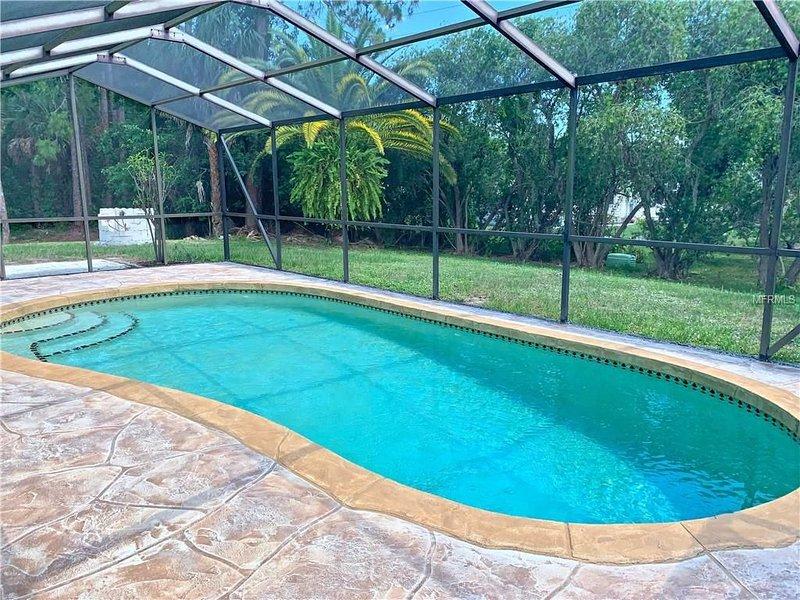 Peaceful 2Bdrm heated Pool, South Facing minutes from Beaches Golf Kiaking Trail – semesterbostad i Rotonda West