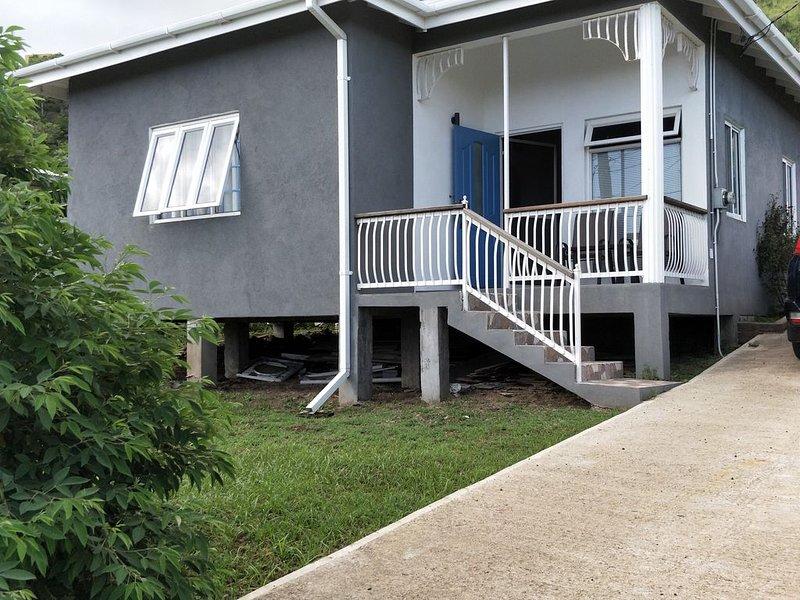 The Beautiful Wild Blue lodge, aluguéis de temporada em Grand Anse