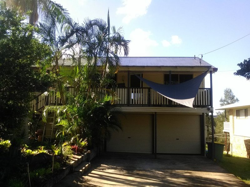 Beach house. Seaside Getaway, holiday rental in Macleay Island