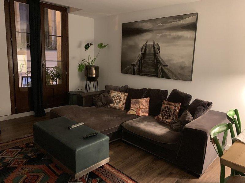 Private Bedroom , Habitación Privada, holiday rental in Bagues