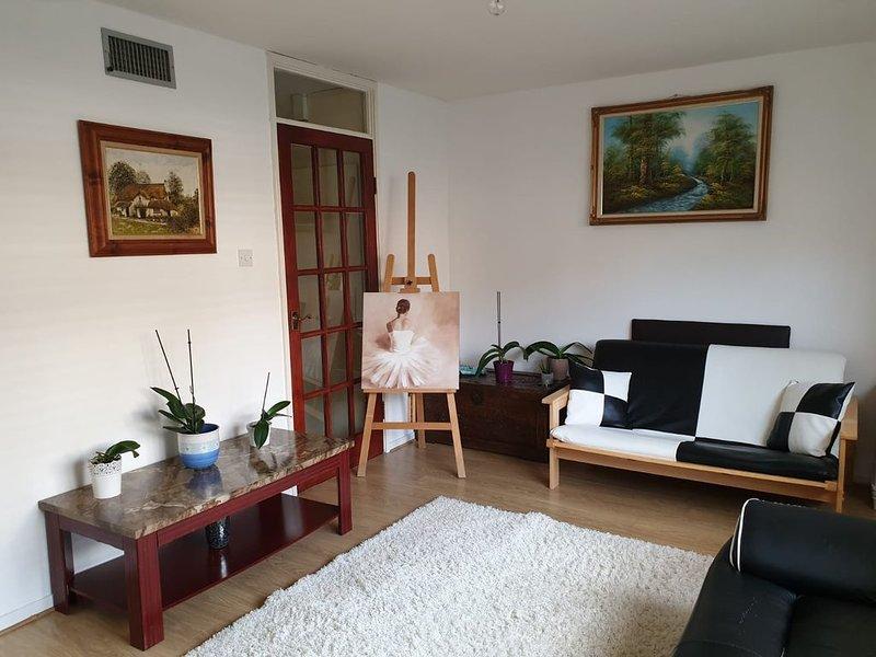 Single Room in a Clean House Near Heathrow Airport, Ferienwohnung in Isleworth
